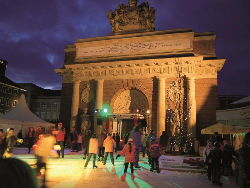 Schlittschuhlaufen Berlin Weihnachtsmarkt.Wesel Entdecken Weseler Winter